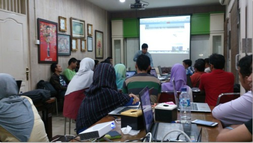 Kursus belajar bisnis online di Karawang