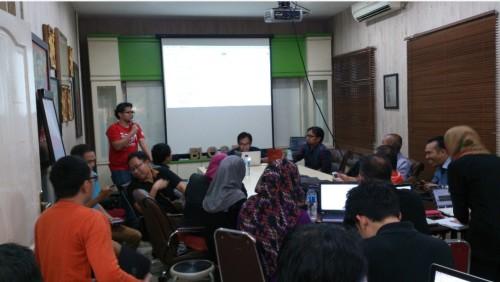Bisnis Sampingan Karyawan di Semarang