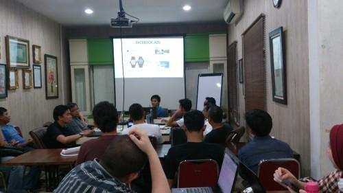 Kursus Bisnis Online untuk Karyawan di Koja