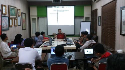 Bisnis Sampingan Karyawan di Tebet Jakarta