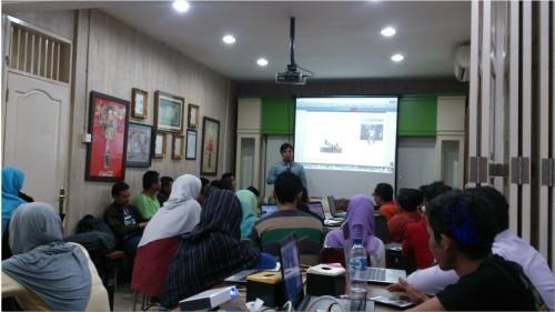 Kursus Bisnis Online untuk Karyawan di taman sari