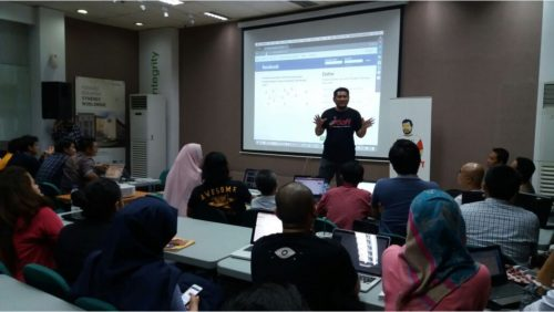 Kursus Internet Digital Marketing SB1M Di Surabaya