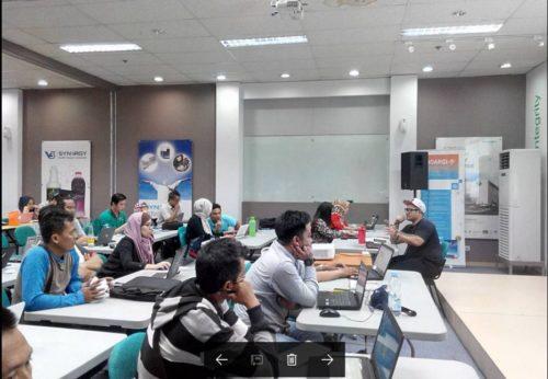 Kelas Internet Marketing SB1M di Jepang