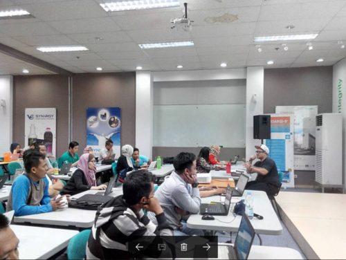 Seminar Workshop Internet Marketing SB1M di Kudus