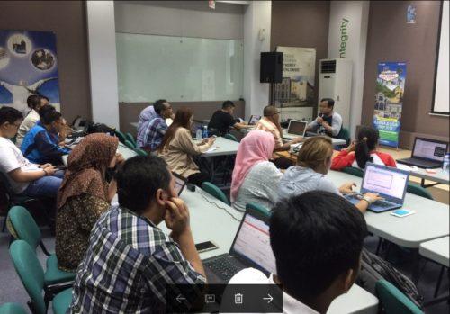 Seminar Workshop Bisnis Online SB1M di Cirebon