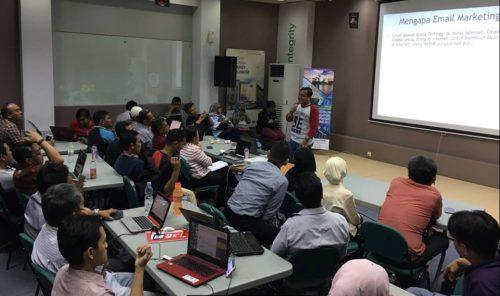 Seminar Workshop Bisnis Online SB1M di Medan