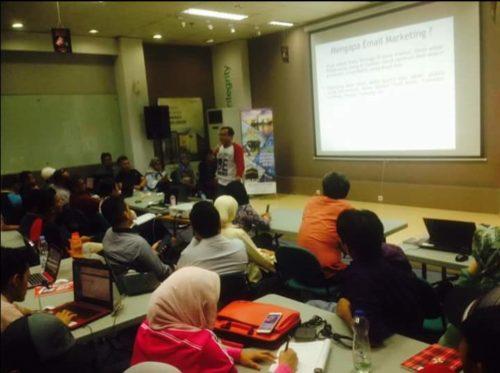 Seminar Workshop Digital Marketing SB1M di Gorontalo