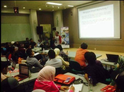 Seminar Workshop Bisnis Online SB1M di Palangkaraya