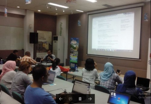 Seminar Workshop Bisnis Online SB1M di Kendari