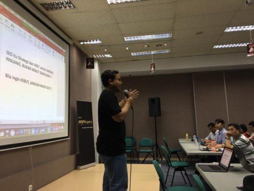 Bisnis Menguntungkan dari Komunitas Internet SB1M