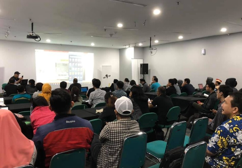 Kelas E-commerce Terbaik Terfavorit di Cirebon