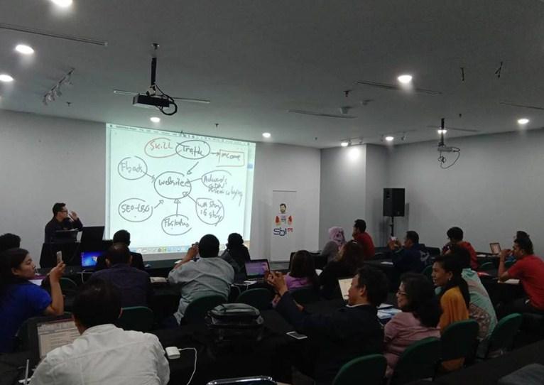 Kursus Bisnis Online Terlengkap di Tangerang Selatan